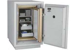 Specialist in Safes. We deliver FireKing Datasafe DM 2513-3 free.